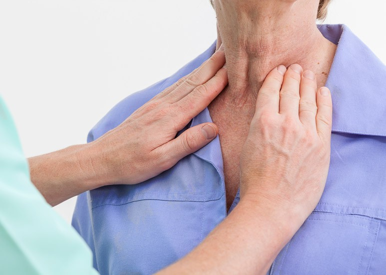 Thyroid neck exam