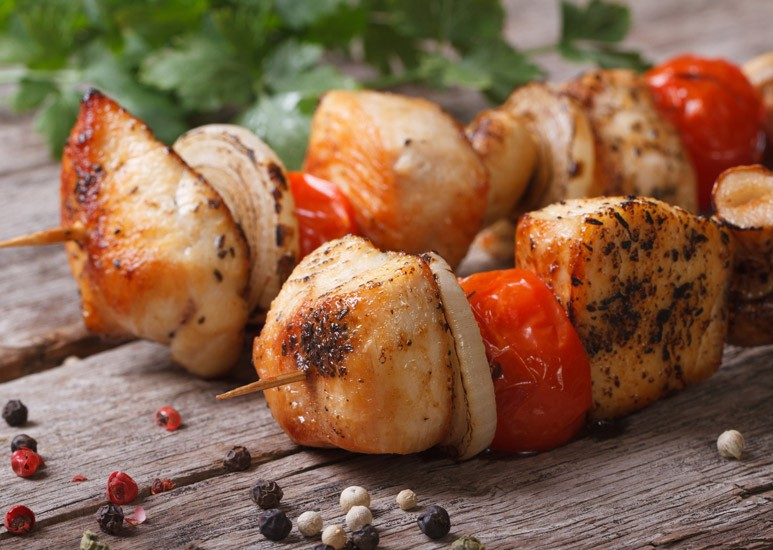 Chicken tomato kebabs