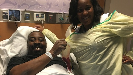 Ray and his sister before his transplant surgery